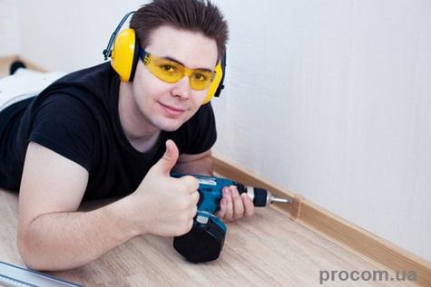 Плинтус пластиковый Тис в интернет - магазине стройматериалов Проком